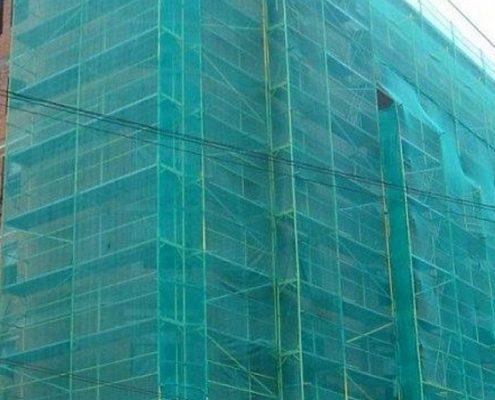 Монтаж защитной сетки фасад